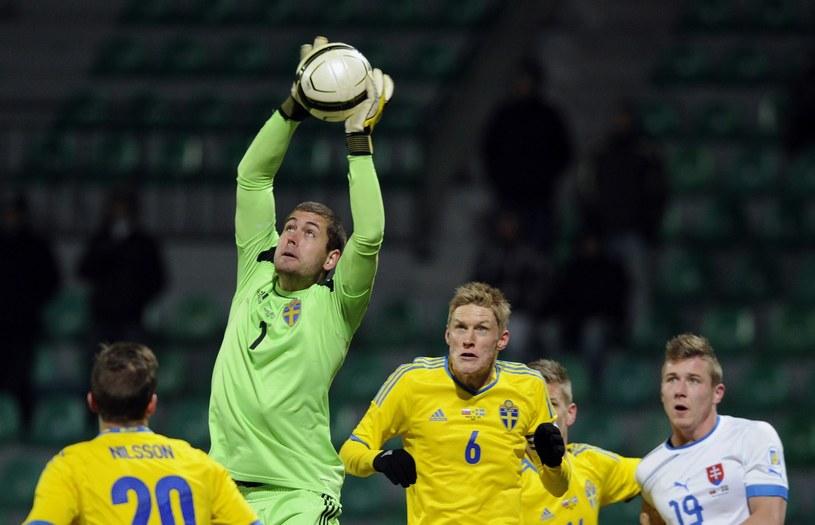 Piłkę łapie Kristoffer Nordfeldt /AFP