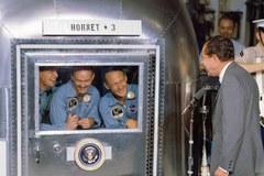 Pilot, lider, legendarny astronauta - Neil Armstrong nie żyje