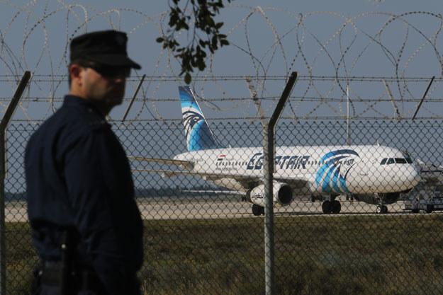 Pilot samolotu miał zostać zmuszony do lądowania w Larnace przez porywacza, który zagroził wysadzeniem ładunków wybuchowych /REUTERS/Yiannis Kourtoglou /Agencja FORUM