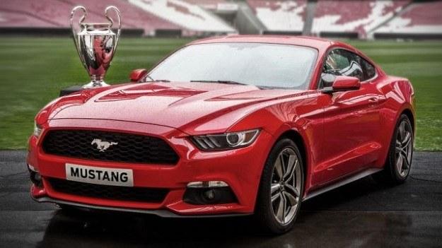 Pilotażowej sprzedaży Mustanga w Europie towarzyszyła kampania promocyjna w internecie i na ulicach Lizbony, gdzie odbył się finałowy mecz Ligi Mistrzów. /Ford