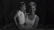 """Pink bez stanika z córką Willow w teledysku """"Wild Hearts Can't Be Broken"""""""