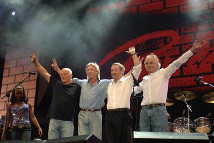 Pink Floyd podczas Live 8 (Nick Mason drugi z prawej) /arch. AFP