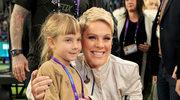 """Pink w uroczym duecie z 7-letnią córką. Willow Hart śpiewa """"A Million Dreams"""""""