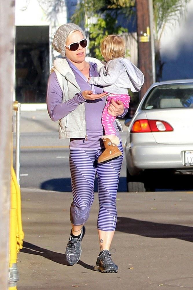 Pink walczy z kilogramami od czau urodzenia córeczki /- /East News