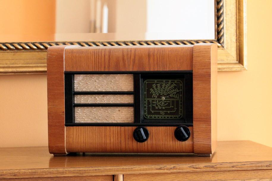 """Pionier U3. """"Pionier"""" był najpopularniejszym odbiornikiem radiowym w Polsce w latach 50. XX wieku /Lech Muszyński /PAP"""