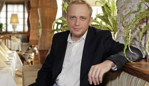 Piotr Adamczyk cieszy się od lat wielką sympatią widzów /AKPA