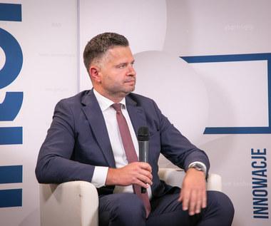 Piotr Bujak, PKO BP: Nowe kosztowne programy społeczne muszą poczekać