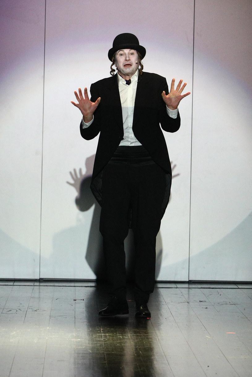 """Piotr Cyrwus podczas próby medialnej musicalu """"List z Warszawy"""" /Tomasz Jastrzebowski/REPORTER /East News"""