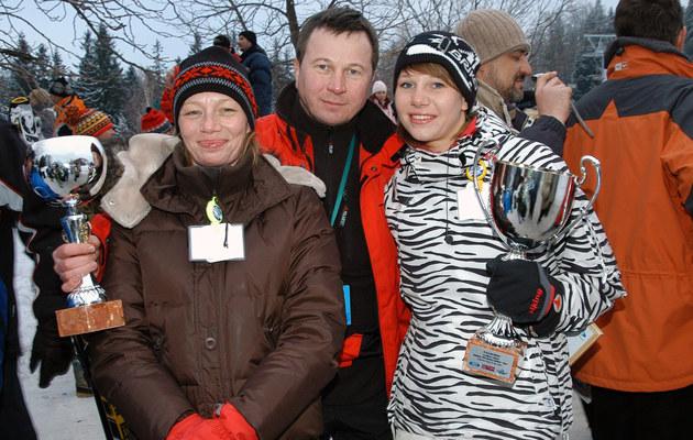 Piotr Cyrwus z żoną (L) i córką Anną (P), fot.Mikulski  /AKPA