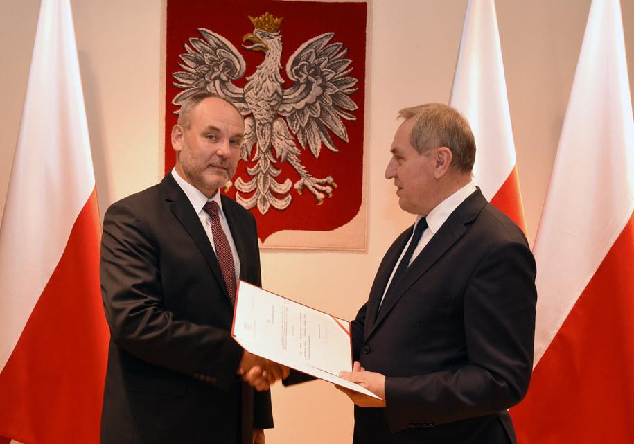 Piotr Dziadzio i minister środowiska Henryk Kowalczyk /Ministerstwo Środowiska /