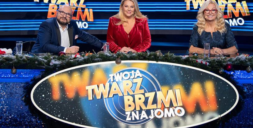 """Piotr Gąsowski, Małgorzata Nawrocka oraz Małgorzata Walewska zasiądą w jury podczas specjalnego świątecznego odcinka """"Twoja Twarz Brzmi Znajomo""""  Czytaj więcej na https://pomponik.pl/plotki/news-twoja-twarz-brzmi-znajomo-dla-fundacji-polsat-swiateczny-odc,nId,4891474#utm_source=paste&utm_medium=paste&utm_campaign=chrome"""