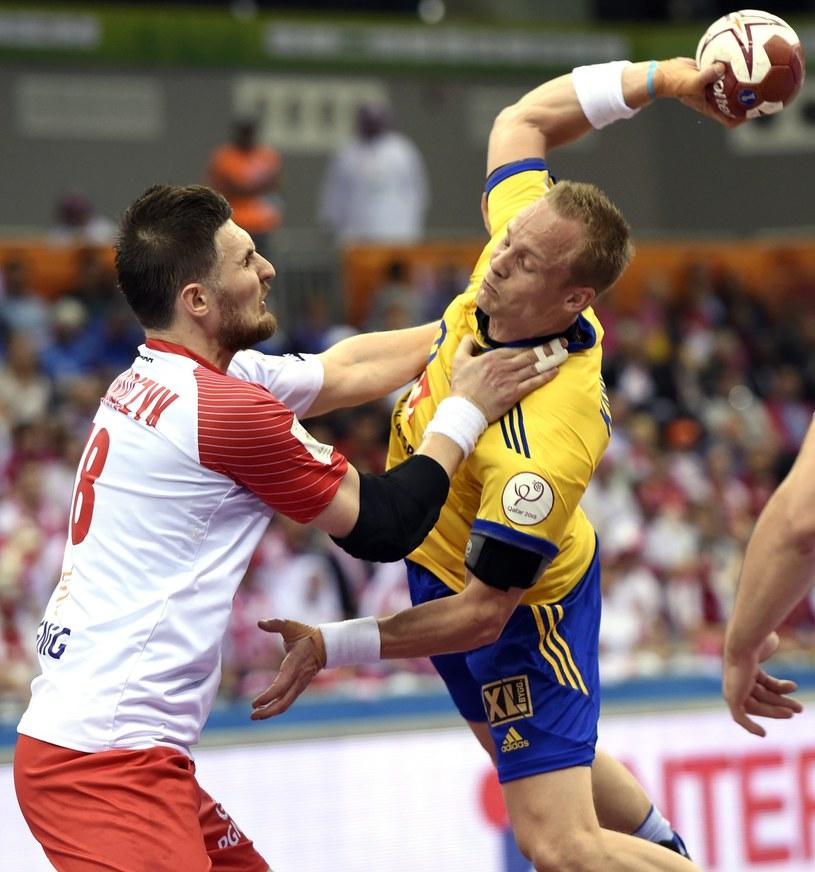 Piotr Grabarczyk kontra Lukas Karlsson ze Szwecji /PAP/EPA