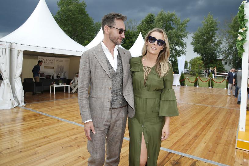 Piotr Kraśko z żoną Karoliną /Podlewski /AKPA