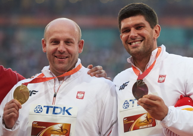 Piotr Małachowski (z lewej) i Robert Urbanek /Adam Warżawa /PAP