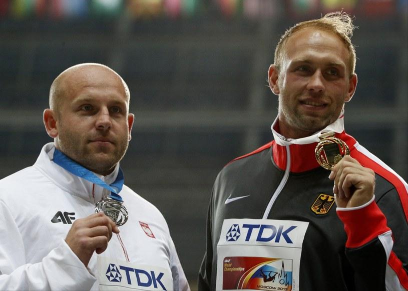 Piotr Małachowski (z lewej) oraz Robert Harting (z prawej) /Alexander Zemlianichenko /East News