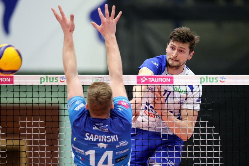 Piotr Nowakowski w meczu ze Ślepskiem / Leszek Szymański    /PAP