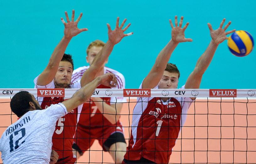 Piotr Nowakowski (z prawej) /Adam Warżawa /PAP