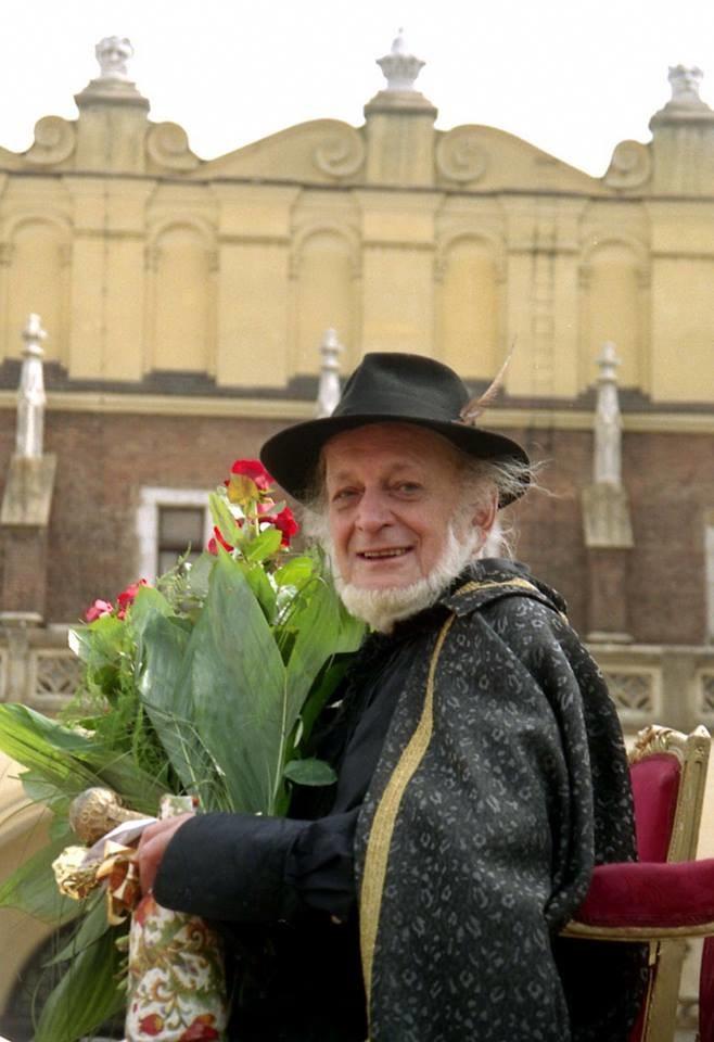 Piotr podczas jubileuszu 40-lecia Piwnicy na krakowskim Rynku Głównym / Nina Wolf / Archiwum Piwnicy Pod Baranami /materiały prasowe