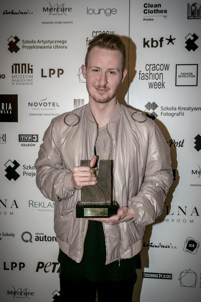 Piotr Popiołek, zwycięzca Cracow Fashion Awards /materiały prasowe