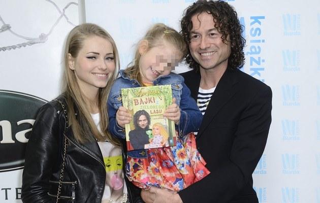 Piotr Rubik z Agatą i córką /- /MWMedia