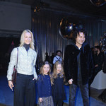 Piotr Rubik z córkami i obcą kobietą na pokazie!