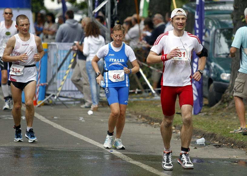 Piotr Sawicki (z prawej) zdobył brąz ME i poprawił rekord Polski /Andrzej Grygiel /PAP