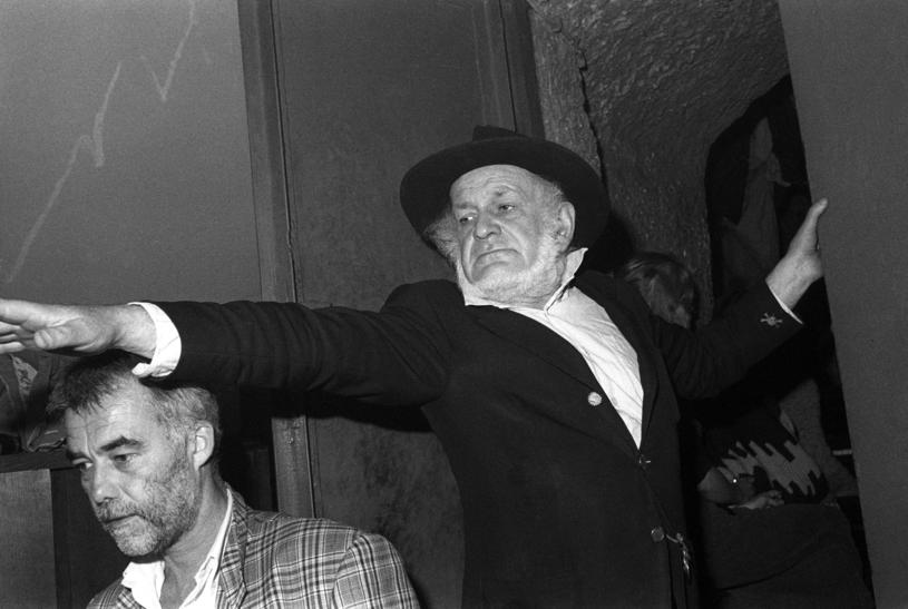 Piotr Skrzynecki twórca i wodzirej Piwnicy i Jan Kanty Pawluśkiewicz kompozytor; Kraków, maj 1987, Piwnica pod Baranami /Krzysztof Wójcik /Agencja FORUM