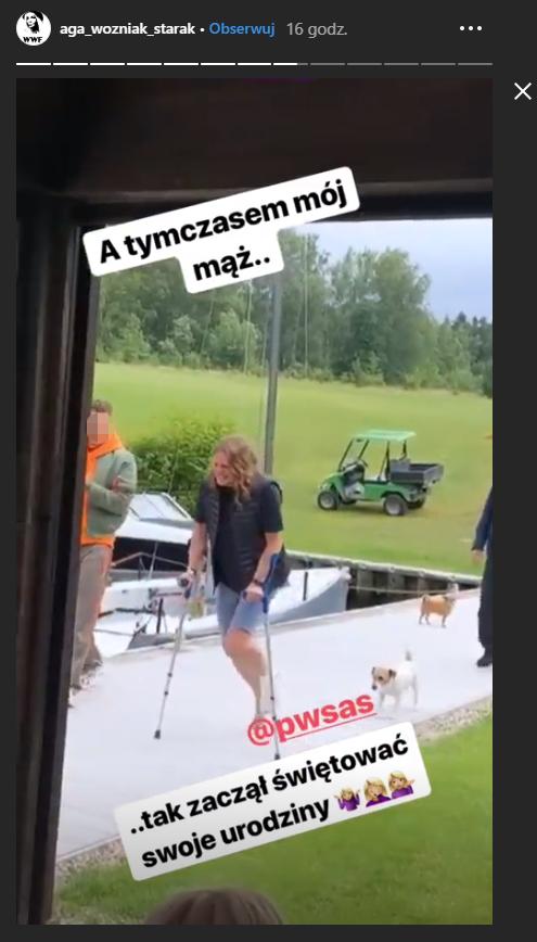 Piotr Woźniak-Starak porusza się o kulach /Instagram