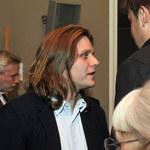 Piotr Woźniak-Starak samotny na imprezie