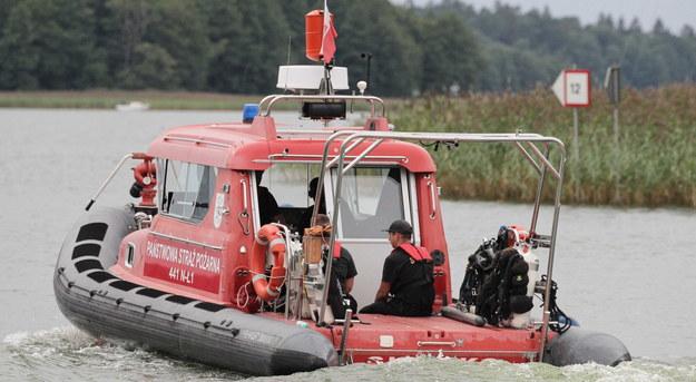 Piotr Woźniak-Starak zaginął na jeziorze. Kolejny dzień poszukiwań za nami