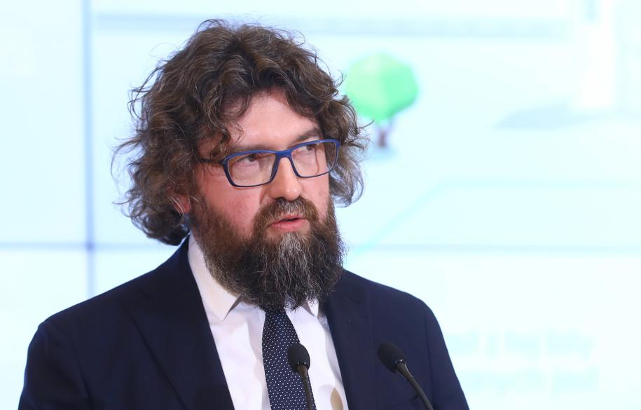 Piotr Woźny, zdymisjonowany wczoraj wiceszef resortu przedsiębiorczości i technologii, który niespełna trzy tygodnie temu został przedstawiony jako wiceminister od smogu /Rafał Guz   /PAP