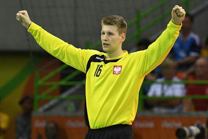 Piotr Wyszomirski podczas meczu z Danią /AFP