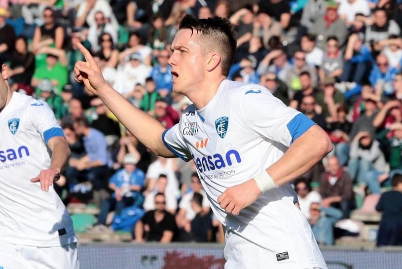 Piotr Zieliński cieszy się z gola dla Empoli /PAP/EPA