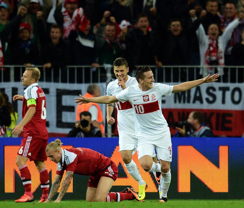 Piotr Zieliński (nr 10) wkrótce ma zostać najdroższym polskim piłkarzem /AFP