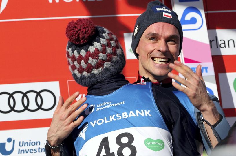 Piotr Żyła cieszy się ze zwycięstwa na Kulm /Grzegorz Momot /PAP
