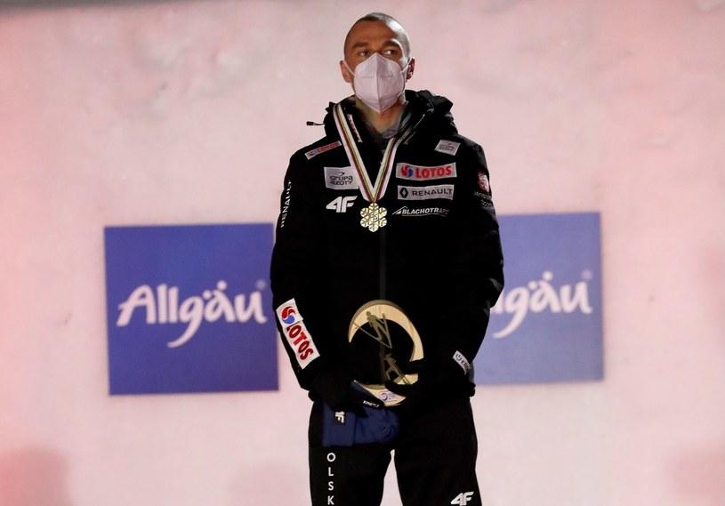 Piotr Żyła na najwyższym stopniu podium /Grzegorz Momot /PAP