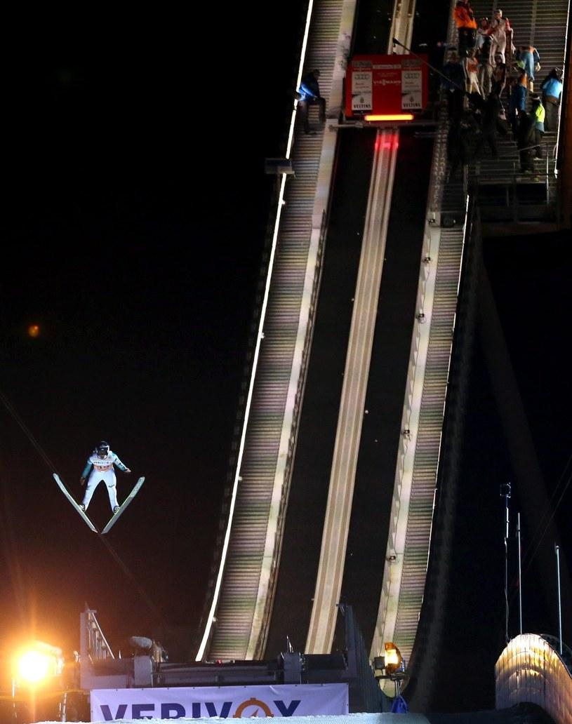 Piotr Żyła podczas kwalifikacji przed zawodami Pucharu Świata w skokach narciarskich w niemieckim Klingenthal /Grzegorz Momot /PAP