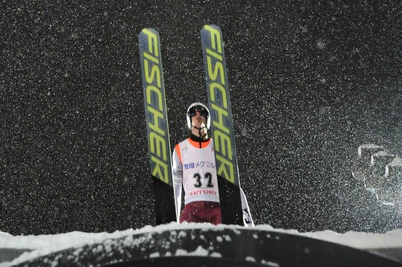 Piotr Żyła podczas zawodów w Sapporo /AFP
