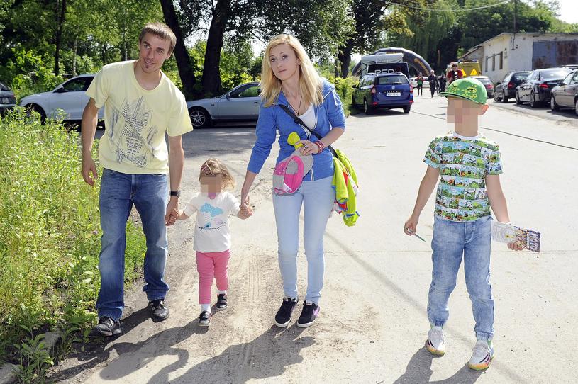 Piotr Żyła z żoną Justyną i dziećmi /Kurnikowski /AKPA