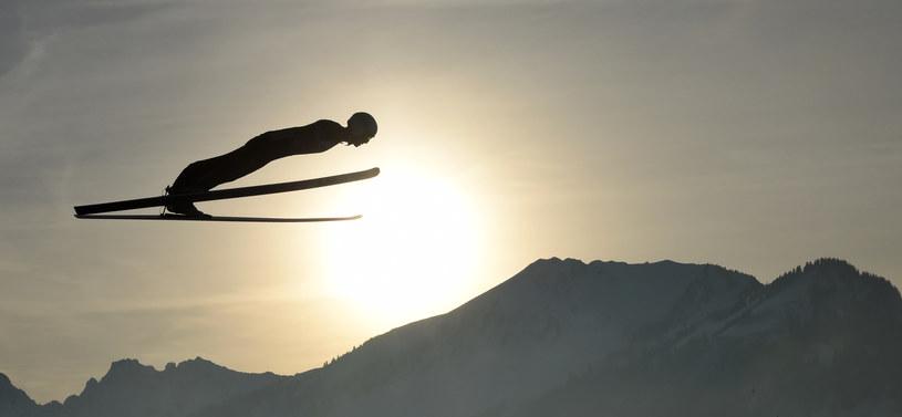 Piotr Żyła zajął trzecie miejsce w kwalifikacjach w Oberstdorfie /CHRISTOF STACHE /AFP