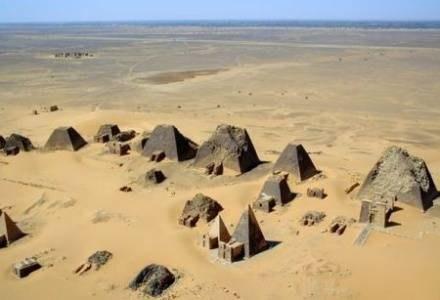 Piramidy w Meroe (c) Francis Geius /Kopalnia Wiedzy