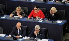 PiS chce, by krytyczny raport o praworządności w Polsce... chwalił polskie władze
