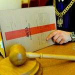 PiS-owskie reformy naruszyły niezależność sędziów. Komisarz RE krytycznie o Polsce