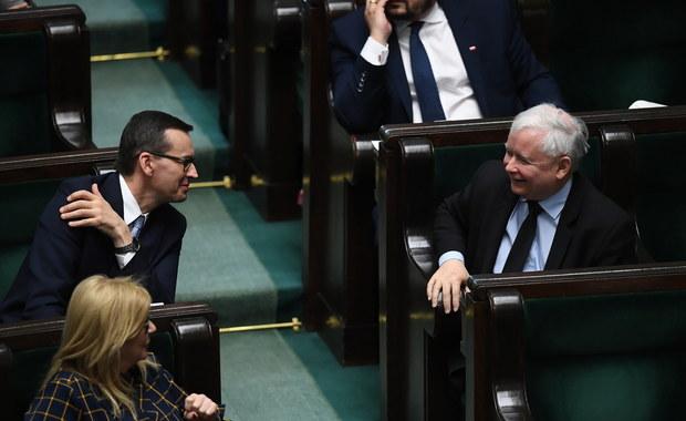 """PiS spokojne o poparcie dla Krajowego Planu Odbudowy. """"Przejdzie głosami Lewicy"""""""