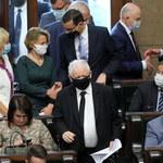 """PiS stracił większość w Sejmie. """"Proces gnilny w Zjednoczonej Prawicy przyspiesza"""""""