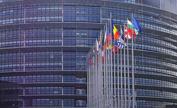 PiS wygrywa w sondażu do eurowyborów