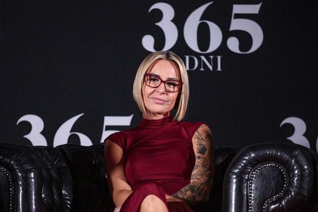 """Pisarka Blanka Lipińska podczas konferencji prasowej dotyczącej filmu """"365 dni"""" /Mateusz Marek /PAP"""