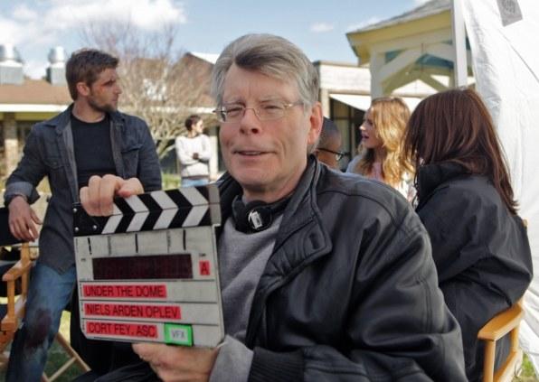 Pisarz Stephen King często pojawia się na planie serialu. /Michael Tacktt/CBS /materiały prasowe