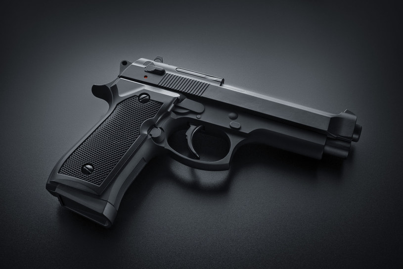 Pistolet automatyczny /123RF/PICSEL