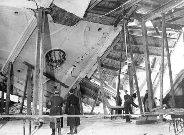 Piwnica Mieszczańska dzień po zamachu z 8 listopada 1939 roku (fot. Bundesarchiv) /Wikimedia